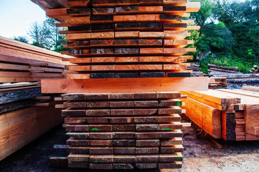 Jo Sawmills provide your choice of quality timber sawn to exact sizes